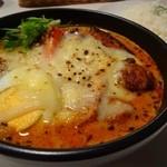 こうき屋 - 神戸流牛すじカレー (ココナッツスープ・8辛) ・たこ焼きトッピング+¥100 ・焦がしチーズトッピング