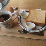 COFFEE VALLEY - トースト、バターと蜂蜜、ゆで卵と共に&本日のコーヒー:メキシコ