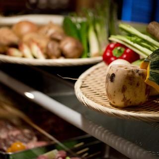 新鮮で糖度の高い有機野菜を中心に集め丁寧に焼き上げています。
