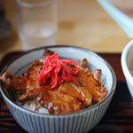 味乃やまびこ - 逆ヤッホーセットの豚丼。
