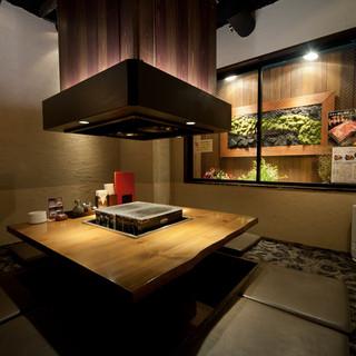 最大10名様まで対応の個室は、歓送迎会などの各種宴会に最適