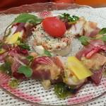 ビストロ ダイア - マグロ、ブリのカルパッチョと、ズワイガニ、カリフラワームース添え
