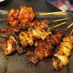 坐・和民 - 国産鶏の串焼き盛り合わせ