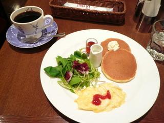 カフェ・ラ・ミル 横浜ジョイナス クラシック店 - パンケーキモーニング
