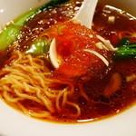 北京飯店 - コラーゲン入りのキーとなるフカヒレを成形したモノ