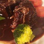 窯焼きビストロ 博多 NUKU NUKU - 牛ほほ肉の赤ワインに