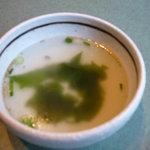 焼肉遊山 - 石焼ビビンバに付いてくるワカメスープ