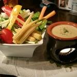 ブリティッシュパブ クォーターズ - 10種野菜のバーニャカウダー