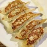 一天張 - 「手作りぎょうざ(280円)」。美味しい餃子はタレが無くても美味しい