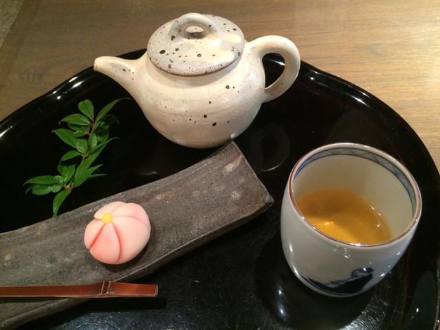 茶房一笑 - 棒茶1,080円(菓子付) 上生菓子