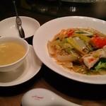 天厨菜館 - タラバ蟹入り焼きソバセット