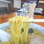 大沼食堂 - 麺リフト