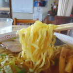 八幡屋 - 麺リフト