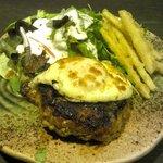 蕎麦しるべ 酔蕎庵 ちどり丸 - そば屋の特製ハンバーグ(夜限定)
