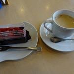 喫茶ボルヤン - ケーキセット