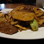 34278522 - 牛肉と野菜の黒胡椒、醤油炒め