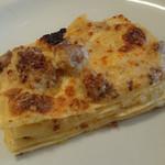 34279996 - こんがりチーズの下は熱々クリームソースと旨みある挽肉がゴロゴロ
