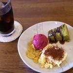 34281428 - ランチ定食に一緒に付いてくるデザート、コーヒー(ドリンク※選択可)