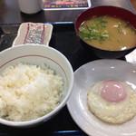 なか卯 - 20150117 目玉焼き朝定食 豚汁変更