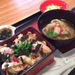 大戸屋 ごはん処 - 鰆と菜の花のちらしご飯としょうがあんかけうどん@大戸屋(^_^)。春の味…  少し酸っぱい。