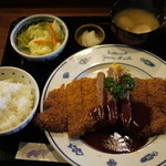 麒麟亭 - わらじビーフカツ定食(2100円)