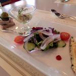 ウィステリア - 大山鶏のパテ・ド・カンパーニュ、筍とイカのマリネ、サラダ、キッシュ