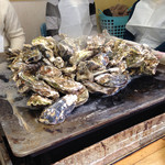 かき小屋 - 焼き牡蠣達