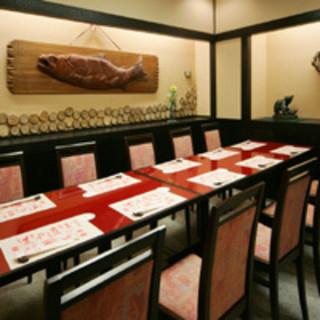 新年会各種ご会合にお座敷やテーブル個室を…お昼のご会食も。