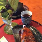 34300960 - 抹茶パフェと五平餅