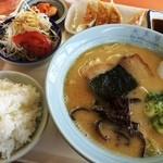 大黒屋ラーメン - ラーメン定食(800円)