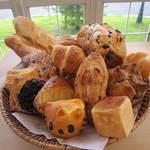 Cafe 151@ - 姉妹店bakery151@よりパンの盛り合せ