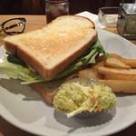 チーズ アンド オリーブ - バーベキュービーフサンドイッチ
