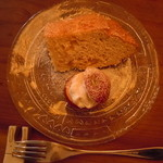 風泉 - りんごのシフォンケーキ400円♪お皿も小さいリンゴも可愛い♪