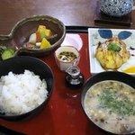 温坐 - 本日の焼魚膳1300円を注文しました。