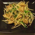牡蠣三味 - 豚バラもやし炒め
