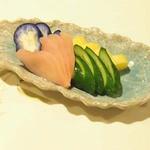 牡蠣三味 - 漬物盛り合わせ