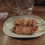 立呑み処 くら - モモ2本で250円
