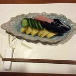 牡蠣三味 - 漬物の盛り合わせ