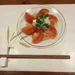 牡蠣三味 - トマトとモッツァレラのイタリアン