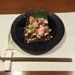牡蠣三味 - マグロとアボカドのわさびマヨネーズ