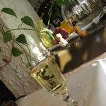 銀座 みかわや - 白ワインたっぷり