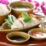 シンガポール海南鶏飯 - ここに来たら忘れちゃいけない名物チキンライス!!!