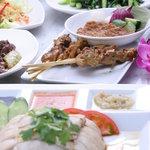 シンガポール海南鶏飯 - ボリューム、バラエティー満点のお得な格安コースもあります!!