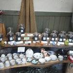 今出川珈琲館 - 珈琲豆と陶器の販売も♪