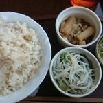 bistro & cafe La ChouChou - 押し麦ご飯と3種盛り