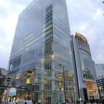 イグ・カフェ - ヒルトンプラザ・ウエスト 設計:竹中工務店 地下4〜地上20階 2004年竣工