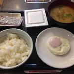 なか卯 - 20150118 目玉焼き納豆朝定食 豚汁変更