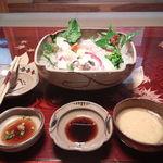 34344181 - 刺身と取り皿 栗の木でできた取り箸 ポン酢・醤油・酢味噌