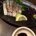 札幌ぶたやO38 - 〆鯖炙り刺し、カチカチ。