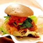 さくちゃん工房 - 黒豆コロッケのトマトソースバーガー